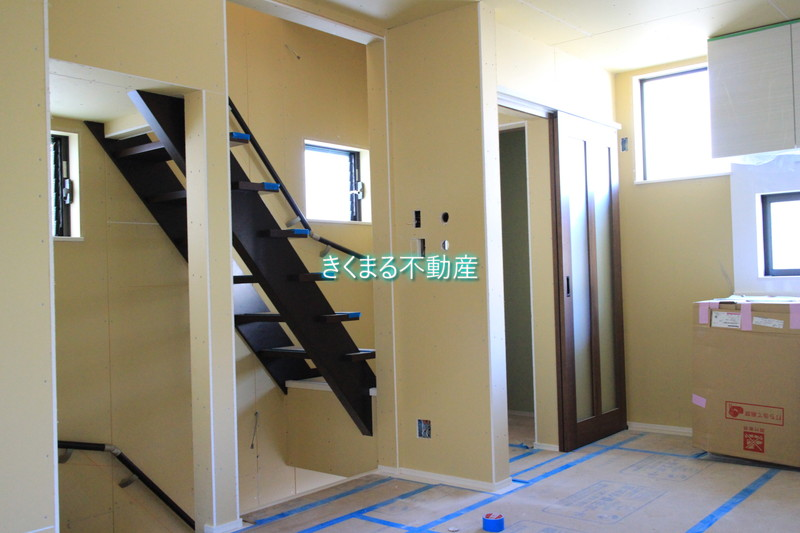 芦屋市翠ヶ丘町新築一戸建て階段付近2