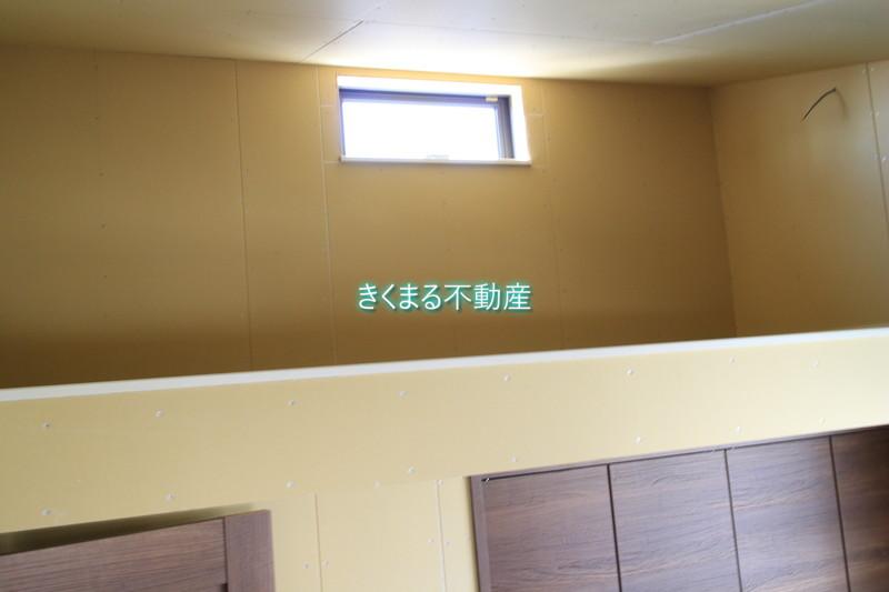 芦屋市翠ヶ丘町新築一戸建て2階洋室6.6帖ロフト窓